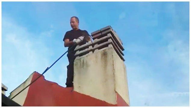 video-los-deshollinadores-trabajando-